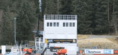 Timelapse: Levering av TV-tårn til Florø fotball-stadion